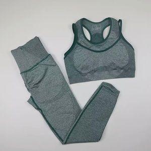 NWT Bella Victoria Teal Seamless Workout Set M/L